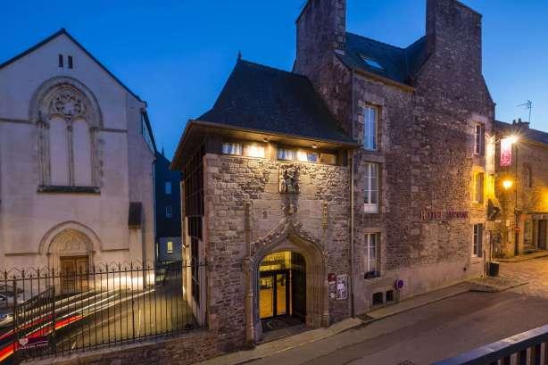 Hotel arvor dinan 3 toiles site officiel - Piscine des canetons dinan ...